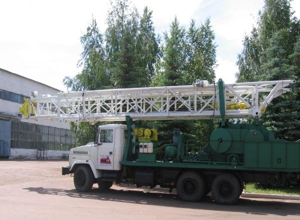 УПА-80 - мобильная буровая установка на колесном шасси