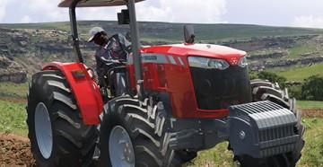 Особенности нового трактора MF4700