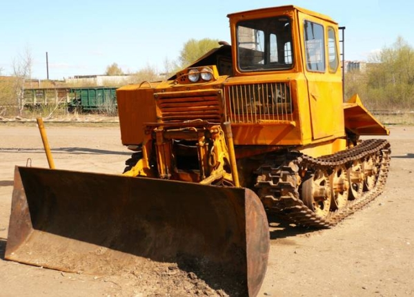 Преимущества и недостатки трелевочного трактора ТДТ-55