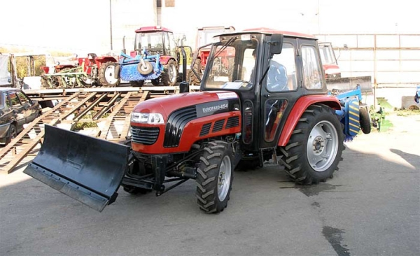 Особенности и характеристики трактора фотон 454