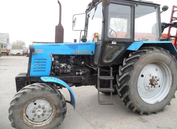 Устройство и модификации трактора Беларус 892
