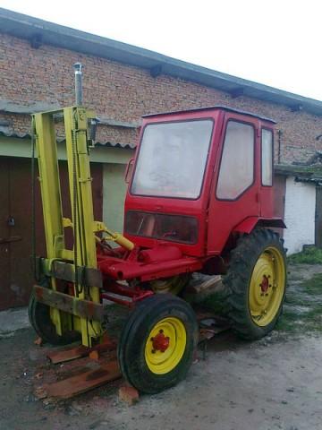 Обзор колесного трактора Т-16 и его модификаций