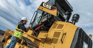 Компания Caterpillar представила новый. улучшенный экскаватор-погрузчик