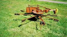 Самодельные роторные грабли на трактор: инструкция, особенности