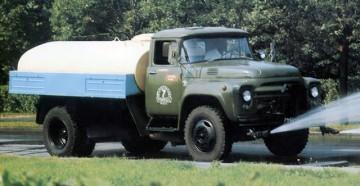 Характеристики, особенности и устройство поливомоечной машины ПМ-130Б