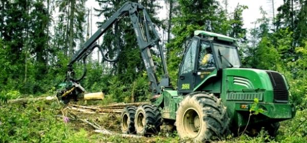 Технические характеристики форвардера 2551 от белорусского производителя Амкодор