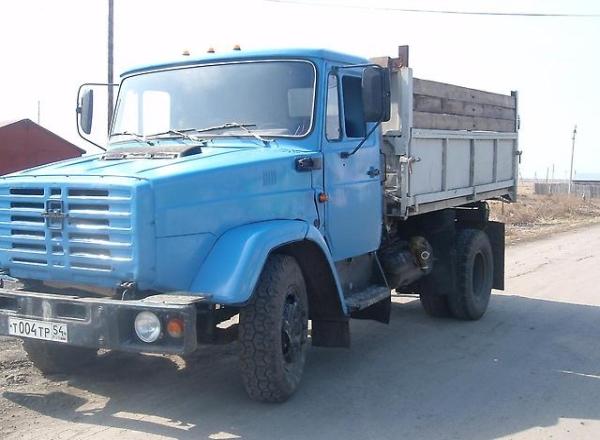 Двигатель, кабина и ходовая самосвала ЗИЛ-4331