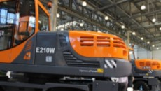 Презентация нового экскаватора E-201W от ЭСМАШ